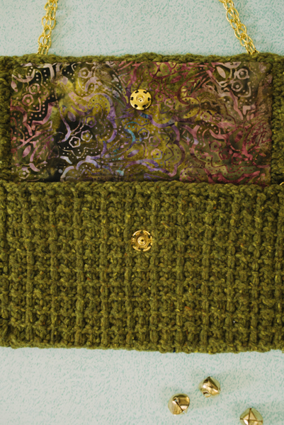 olive clutch lining detail