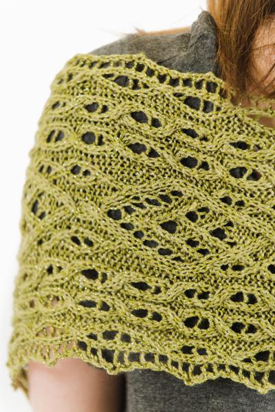 Peridot scarf shoulder