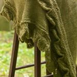 Leaf-Edged-Baby-Blanket