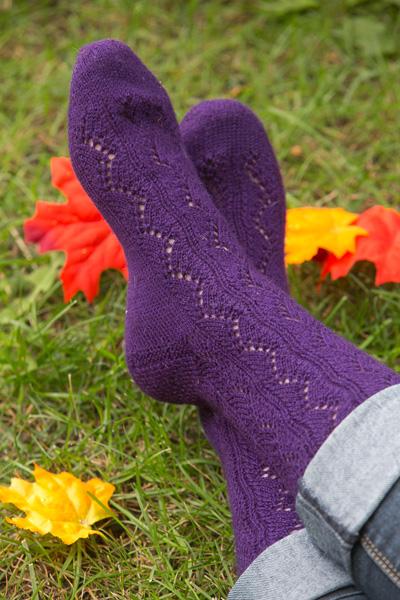 Pattern Spotlight Traveling Vines Socks I Like Knitting