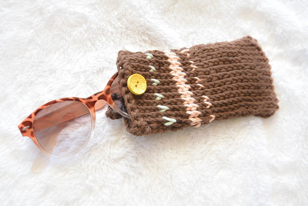knit-sunglasses-case1